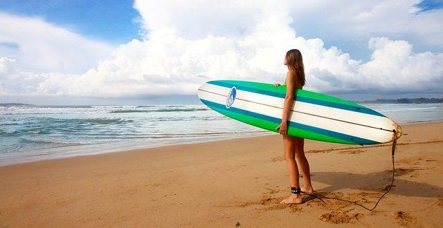 Ini Dia 5 Wisata Surfing Terbaik di Maluku yang Patut Kamu Kunjungi