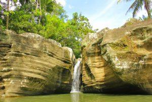 wisata Air Terjun Luweng Sampang