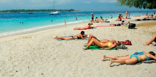Menikmati Indahnya Pesona Pantai Gili Trawangan Lombok