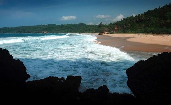 Pantai Kuniran Pacitan