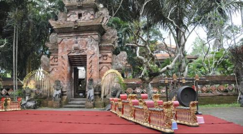 Museum Seni Agung Rai3
