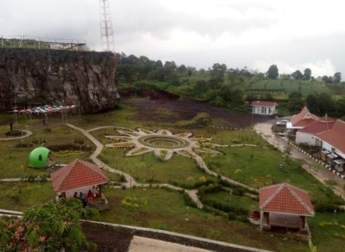 Taman Wisata Desa Cisantana