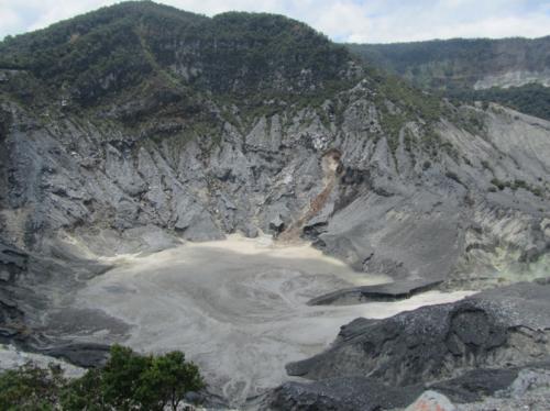 Kawah gunung Tangkuban Perahu di Subang2