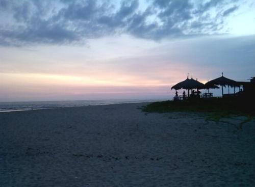 Pantai Drini2