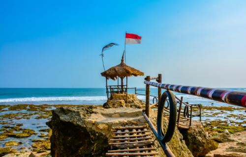 Pantai Watulawang2
