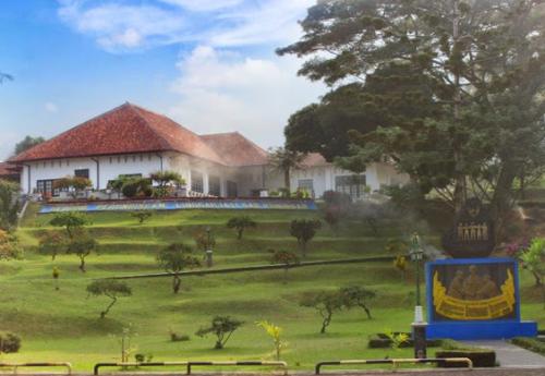 Taman wisata alam Linggarjati2