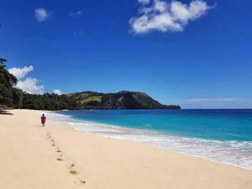 Pantai Likupang3