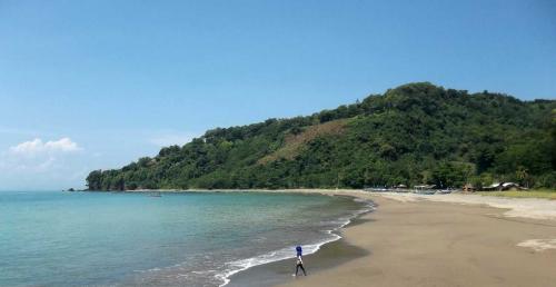 Pantai Paal Manado2