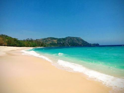 Pantai Paal Manado3