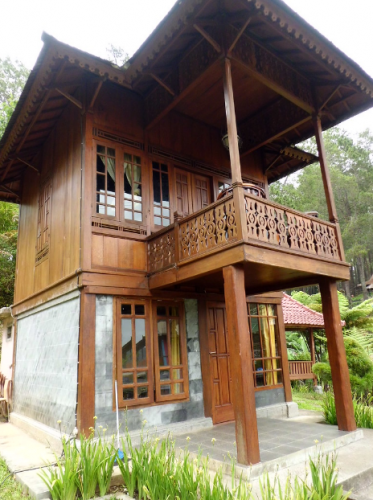 Rumah Panggung Grafika Cikole