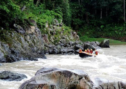 Wisata Arung Jeram Sawangan