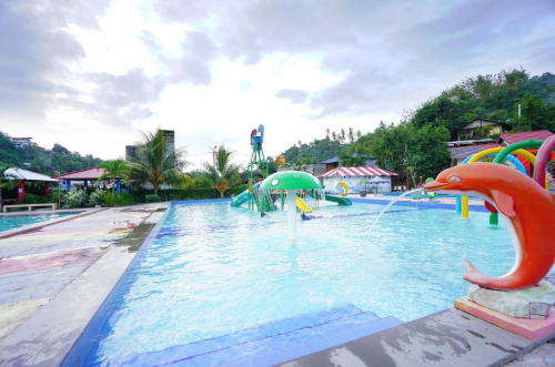 Golden Lake Waterpark2