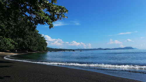 Pantai Batu Putih 1