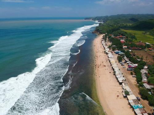Pantai Sepanjang3