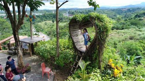 Rumah Alam Adventure Park Manado2