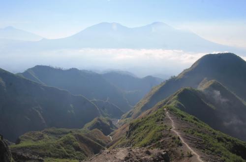 jalur pendakian gunung kelud