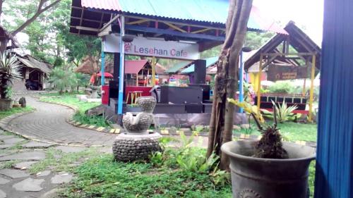 resto Rumah Alam Adventure Park Manado