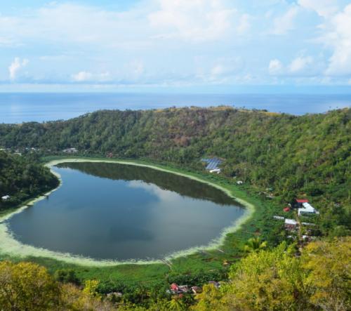 Danau Cinta Pulau Makalehi