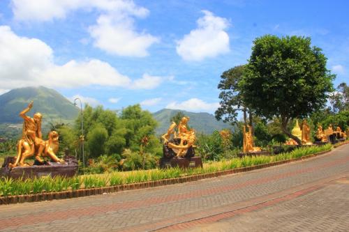 Pagoda Ekayana3