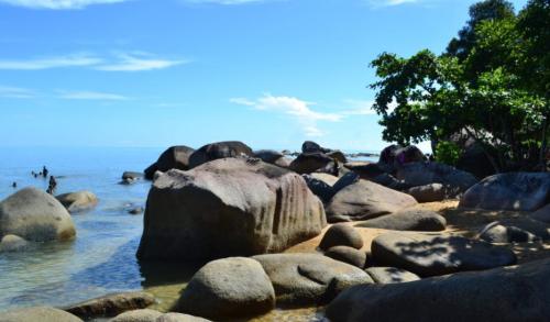 Pantai Temajuk2