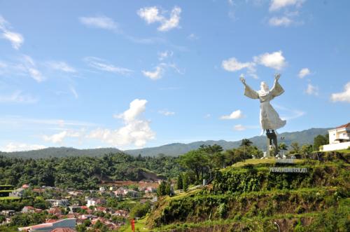 Patung Yesus Memberkati3