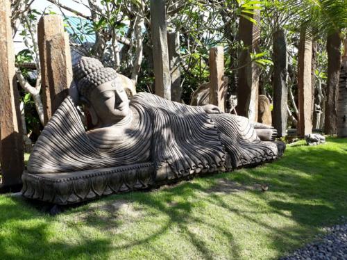 Patung batu