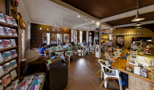 Seniman Cafe Studio