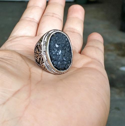 Batu satam