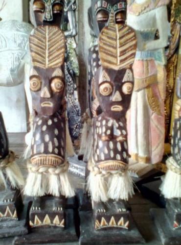 Patung Suku Asmat