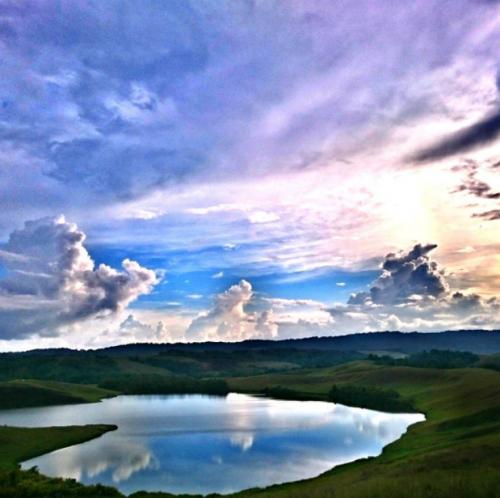 Telaga Emfote atau Danau Love
