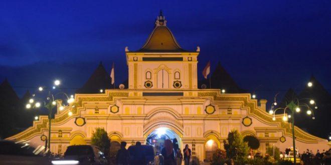 12 Lokasi Wisata di Pulau Madura Paling Favorit 2021
