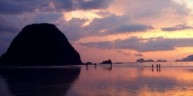 Pulau Merah, Surganya Para Pecinta Surfing